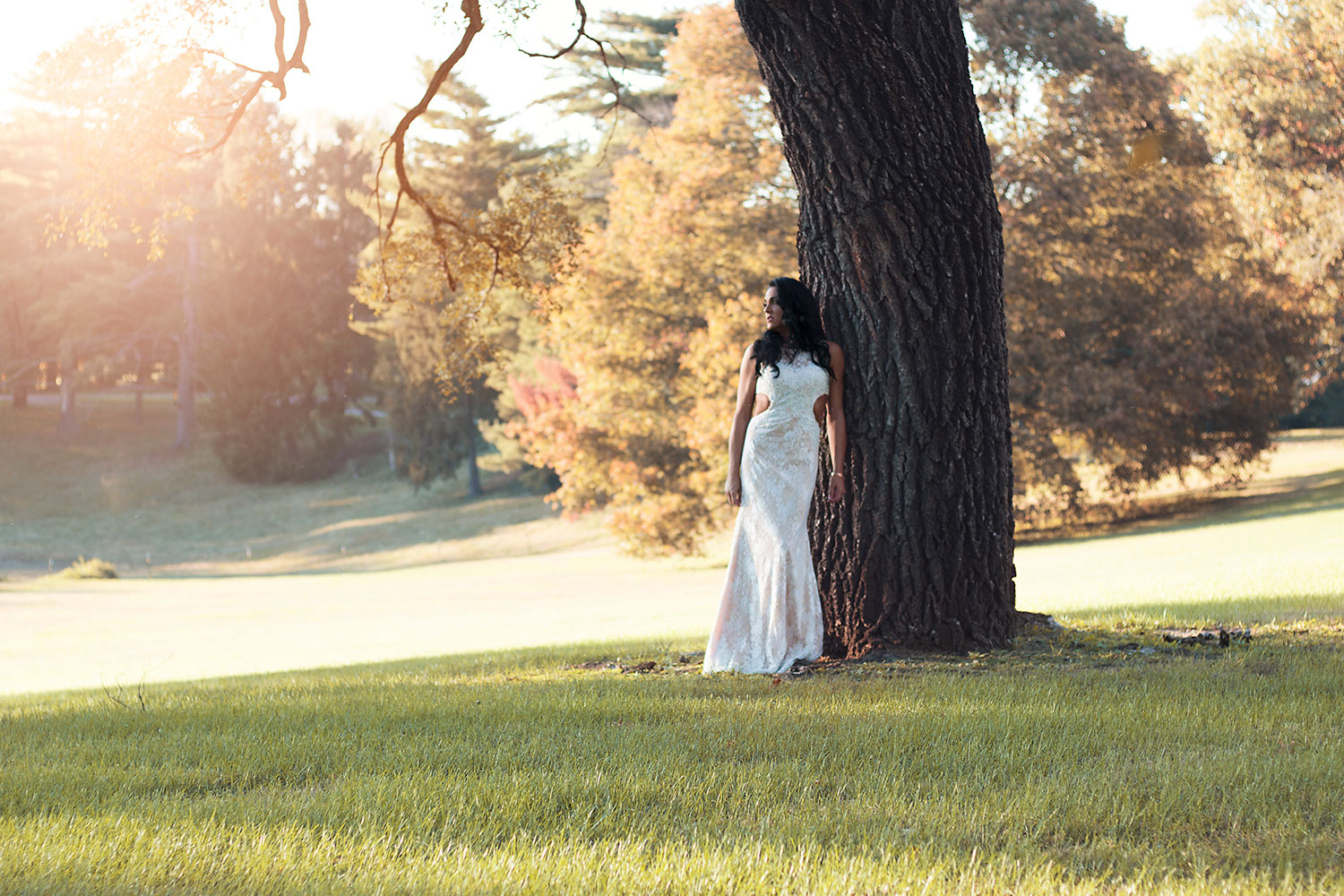 Shane Micheal Photo of bride standing under tree